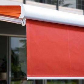 Vario volán Volant-Plus chrání před zapadajícím sluncem a zajišťuje soukromí.