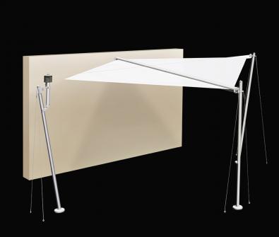 <h4>SLUNEČNÍ PLACHTA S2</h4>   <p>Motorizovaný systém sluneční plachty se skládá z 3 opěrných sloupků (nabarvený hliník, dřevěné lamely) a kotvy, která se připevňuje na zeď. A Vámi zvolené látky (Dacron, Suncontrol, Tempotest Star, Tempotest Star Light) narolované na úhlopříčné trubce a napínané ocelovými lanky.   </p>